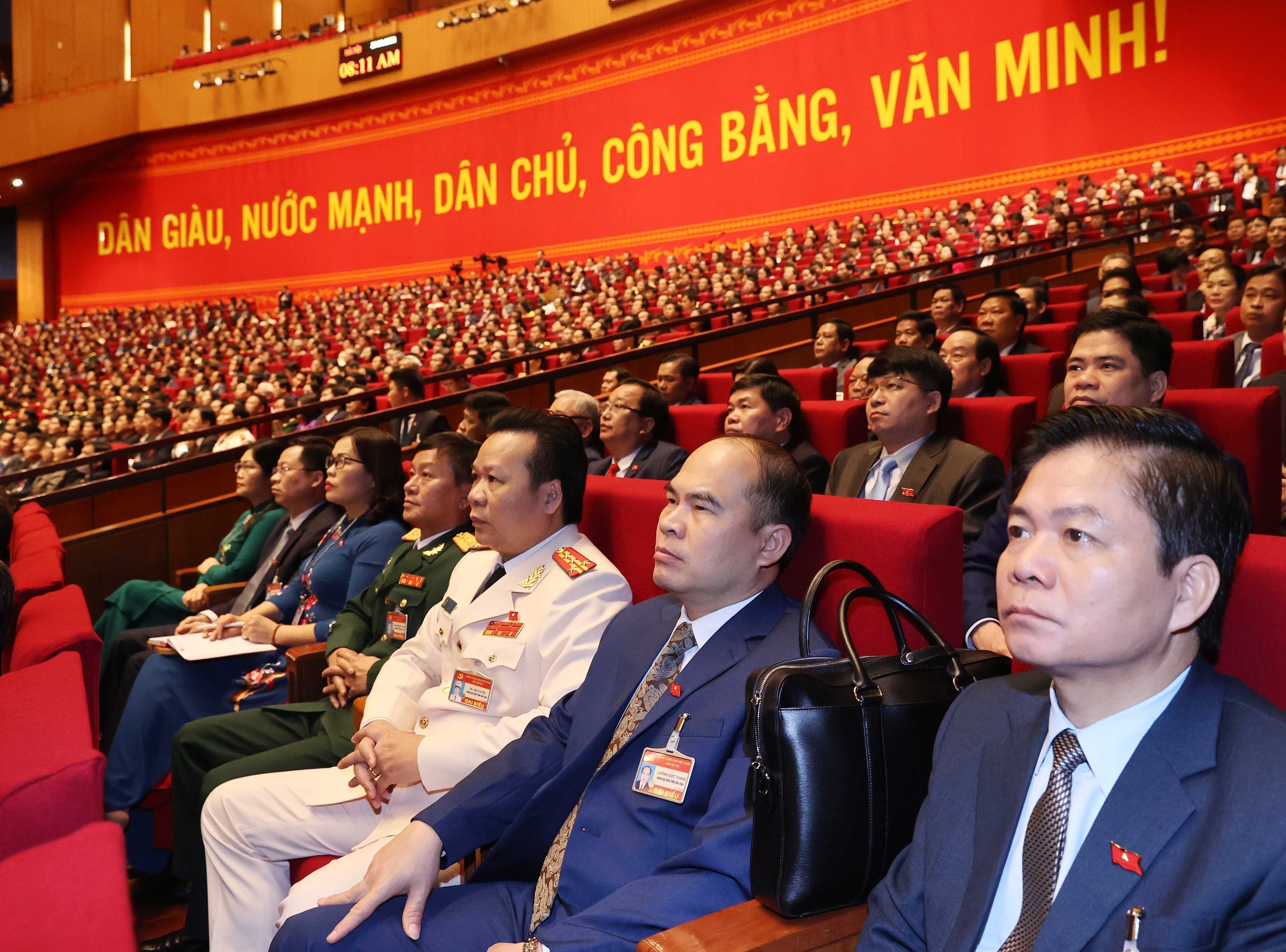 Delegates present discourses on congress's third working day hinh anh 2