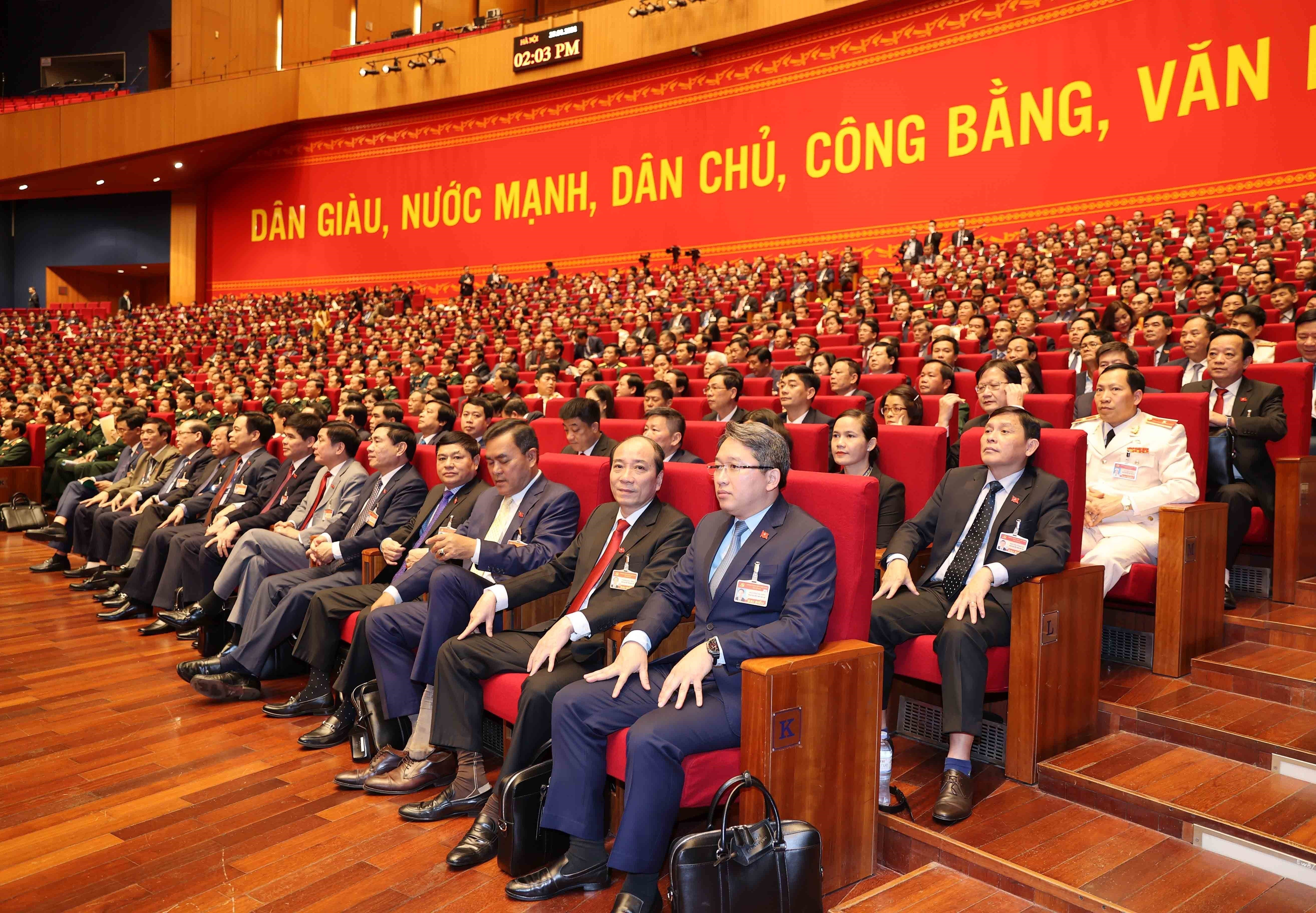Congress continues discussion on draft documents hinh anh 15