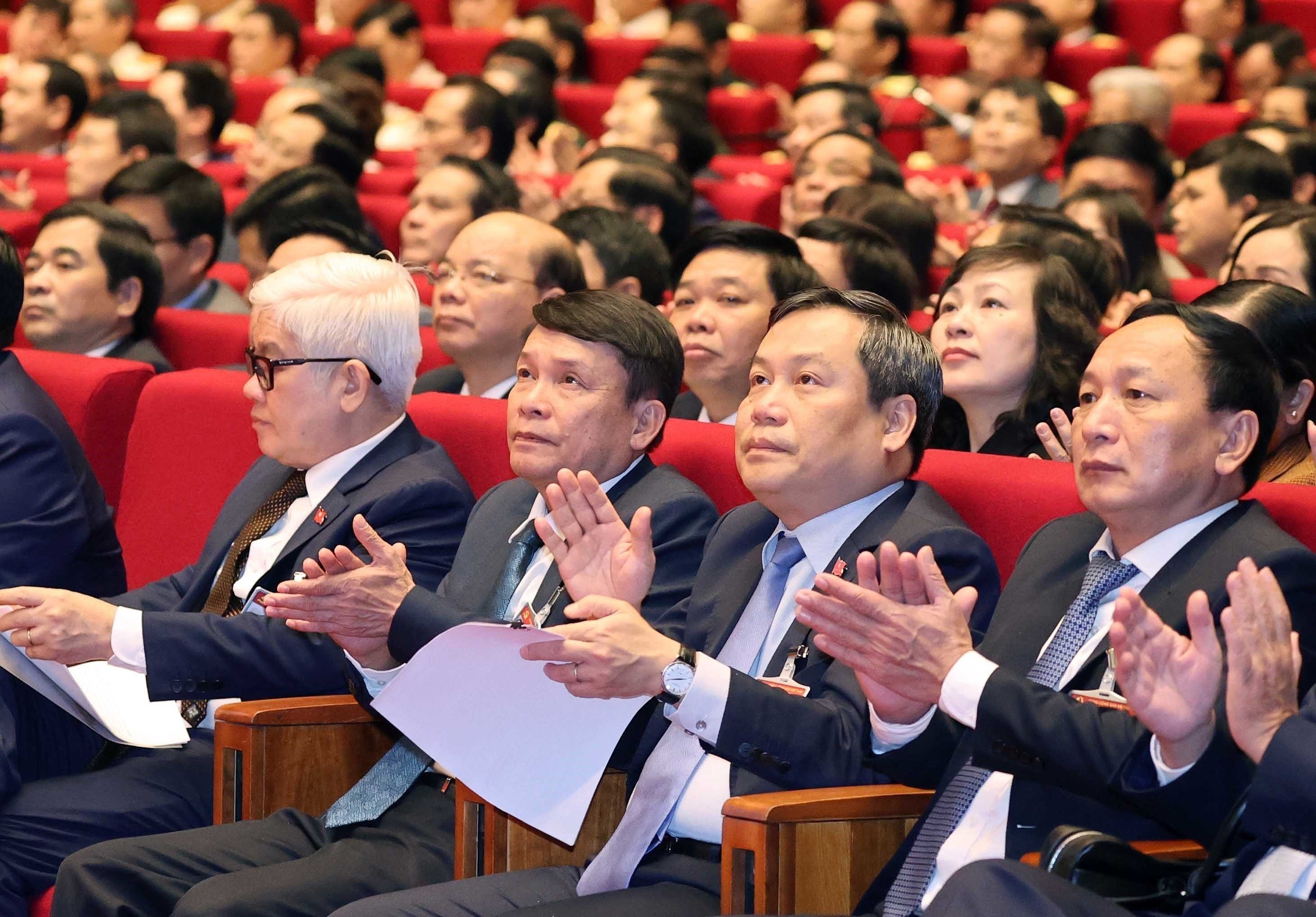 Delegates present discourses on congress's third working day hinh anh 4