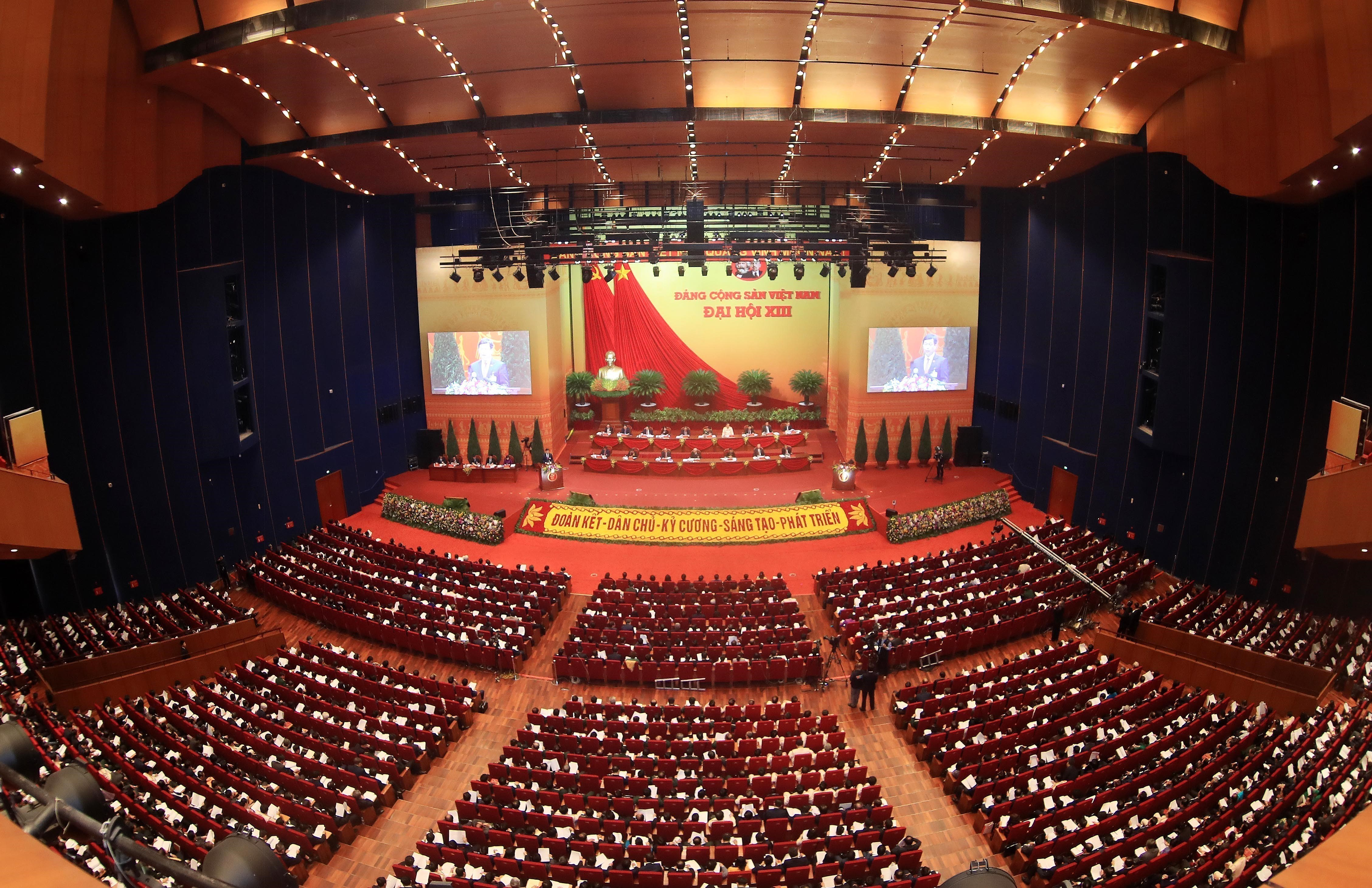Congress continues discussion on draft documents hinh anh 3