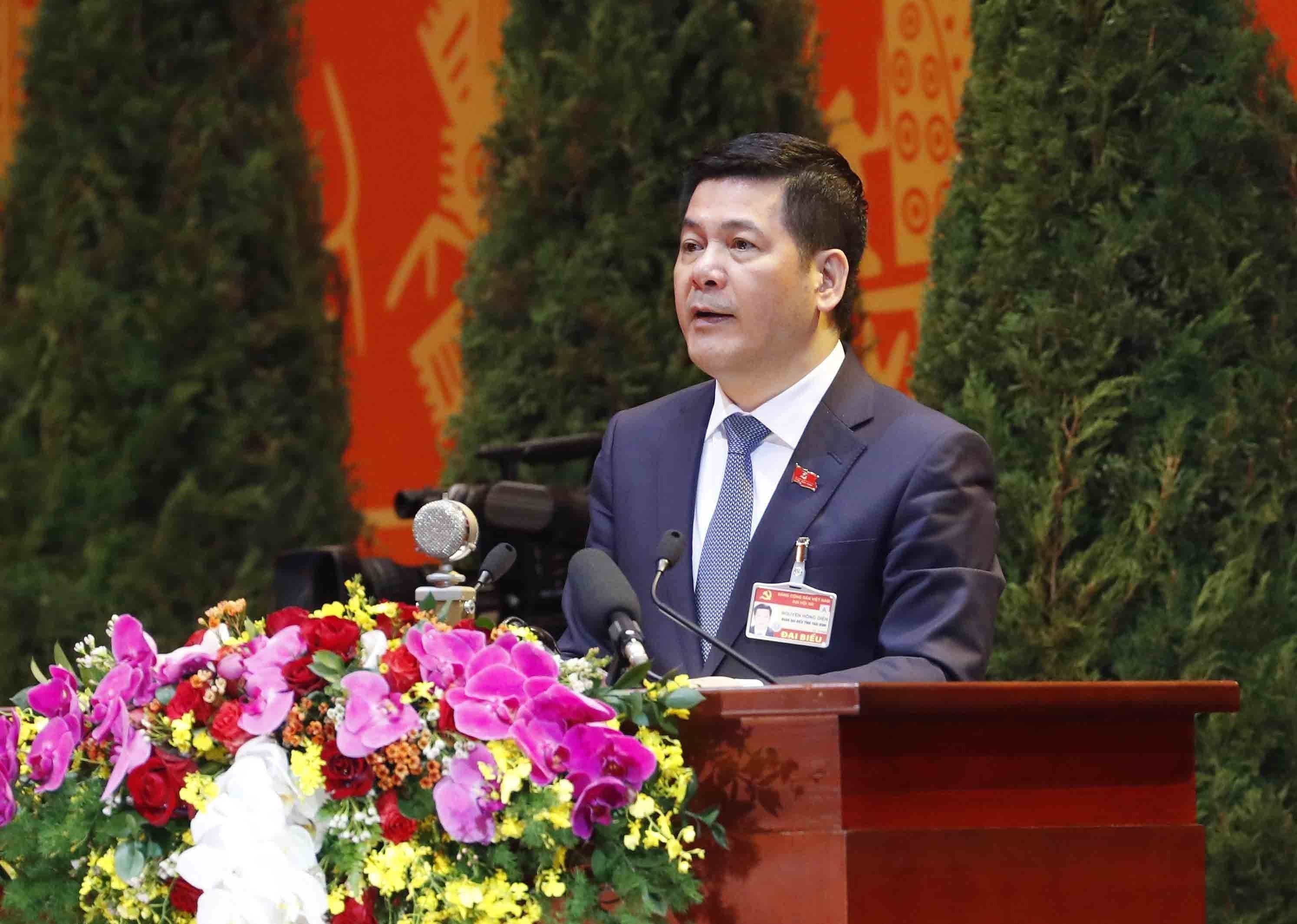 Delegates give more proposals to Party Congress hinh anh 1