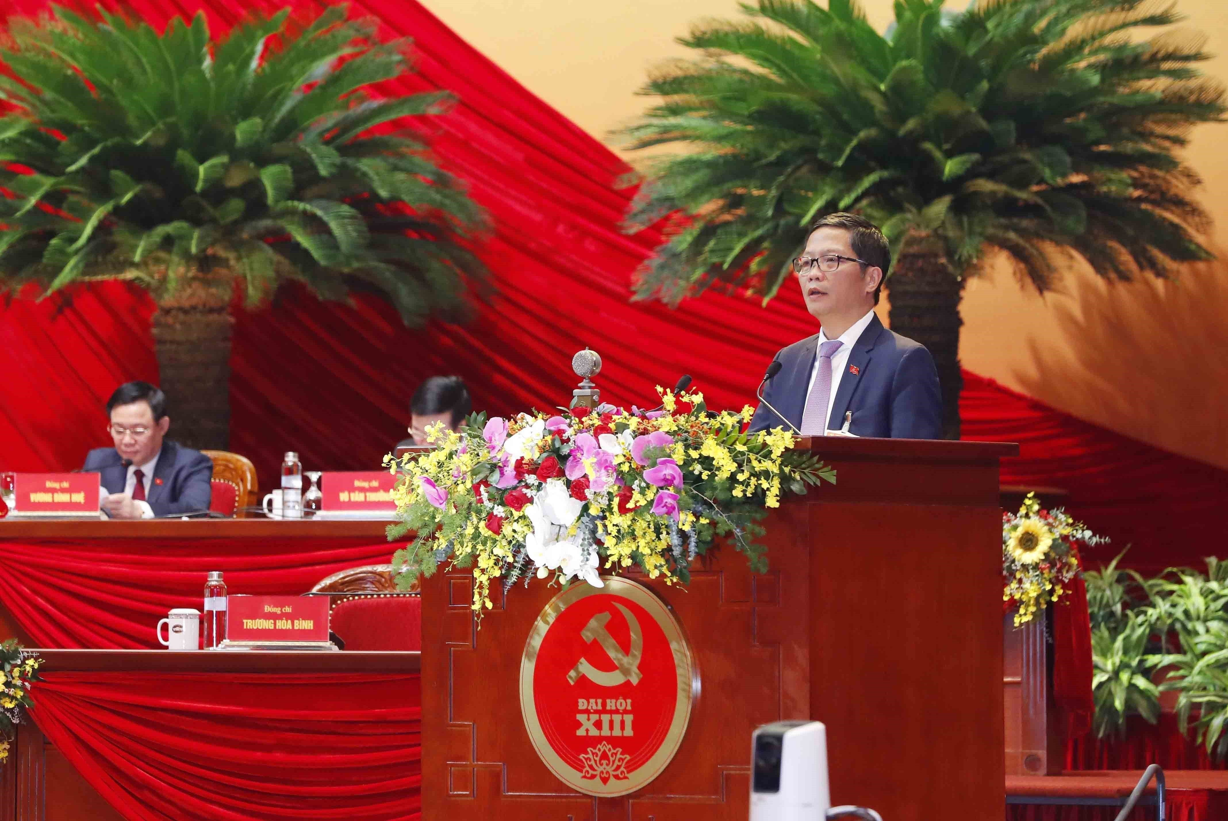 Delegates give more proposals to Party Congress hinh anh 6