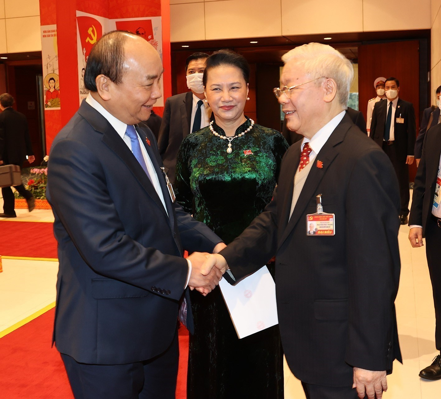 Top leaders attend the Congress's discussion on January 28 hinh anh 3
