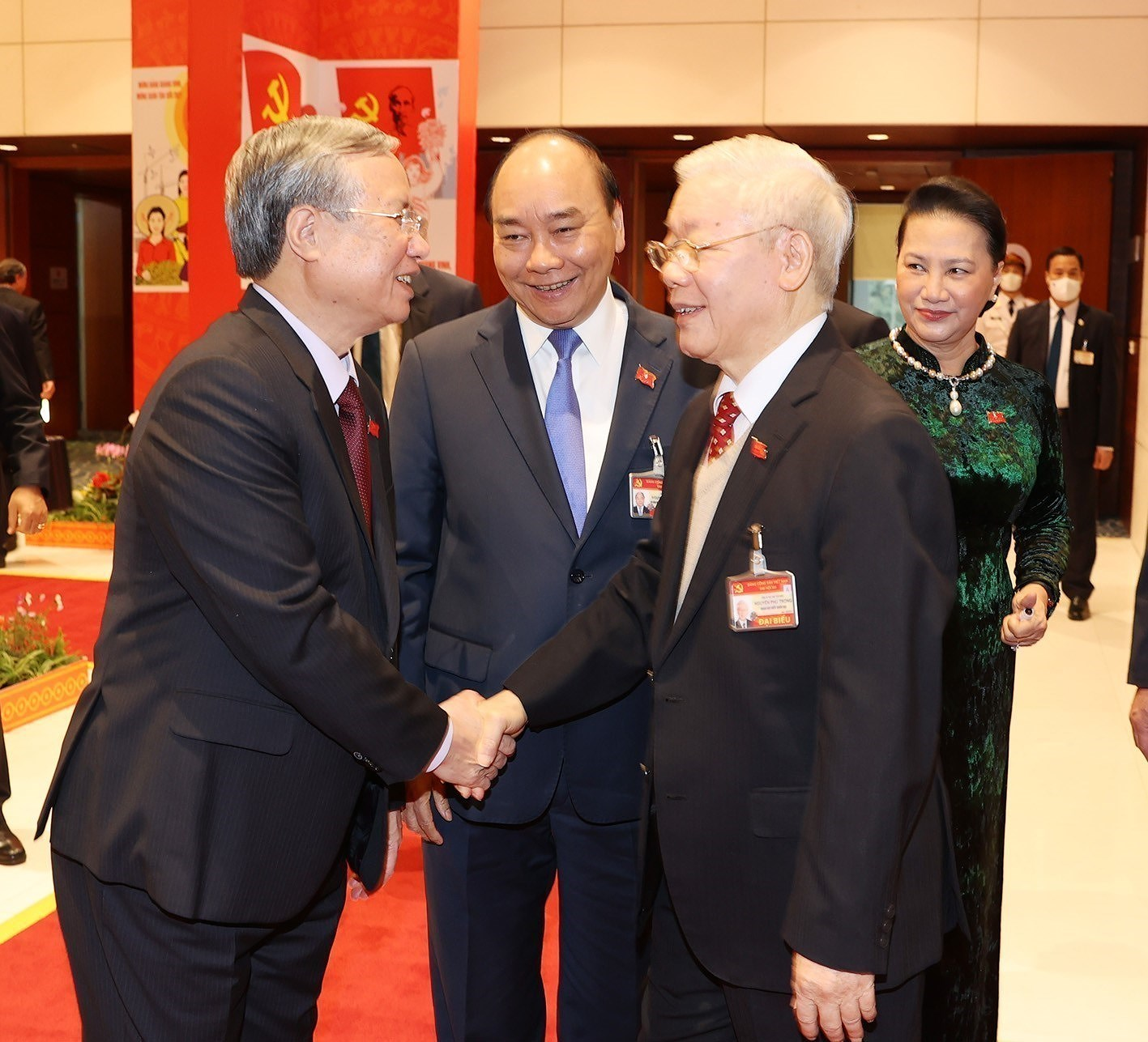 Top leaders attend the Congress's discussion on January 28 hinh anh 2