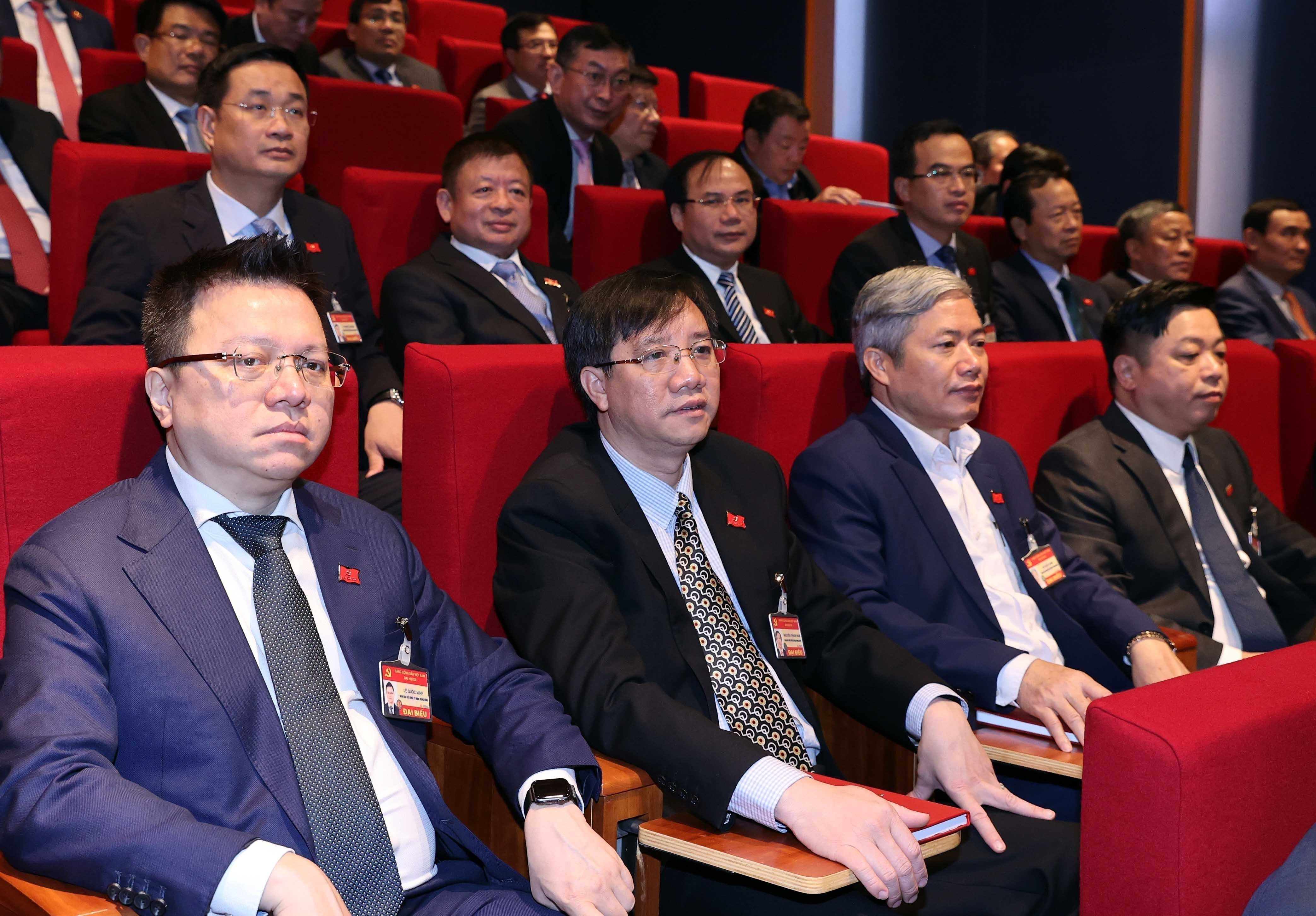 Delegates give more proposals to Party Congress hinh anh 9