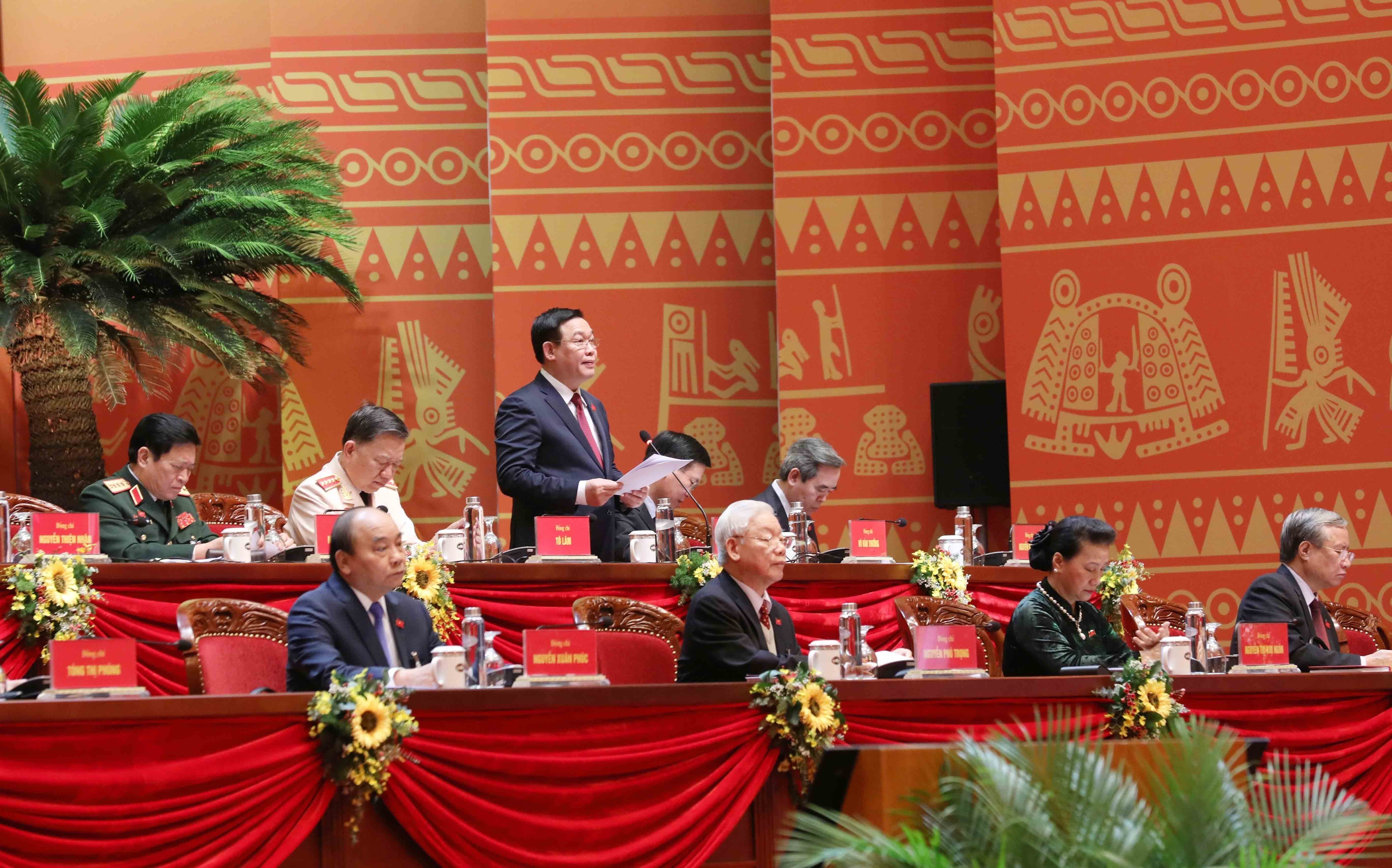 Delegates give more proposals to Party Congress hinh anh 8