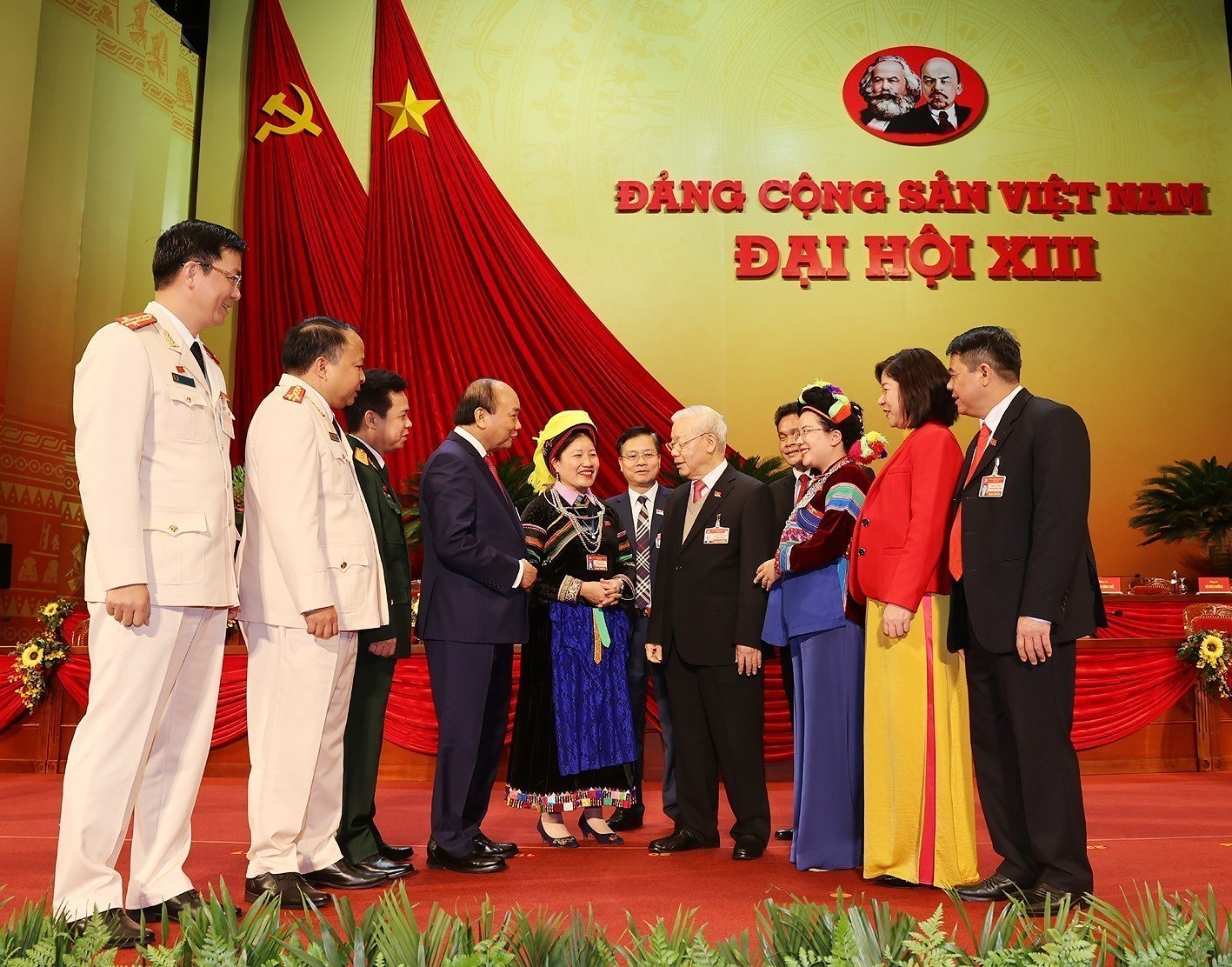 National Party Congress continue discussions on personnel work hinh anh 9