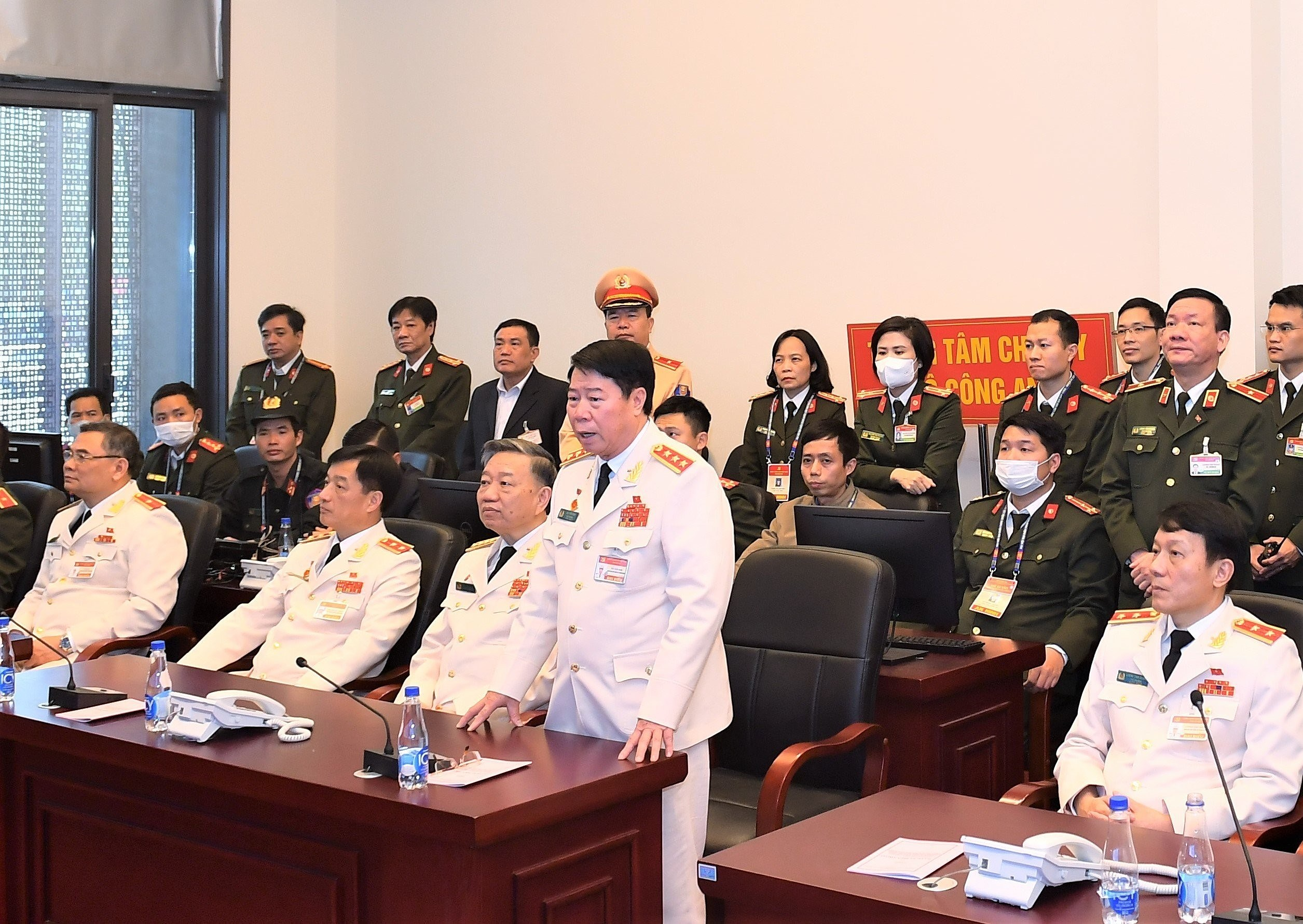 Forces asked to maintain absolute security, safety for Party Congress hinh anh 2