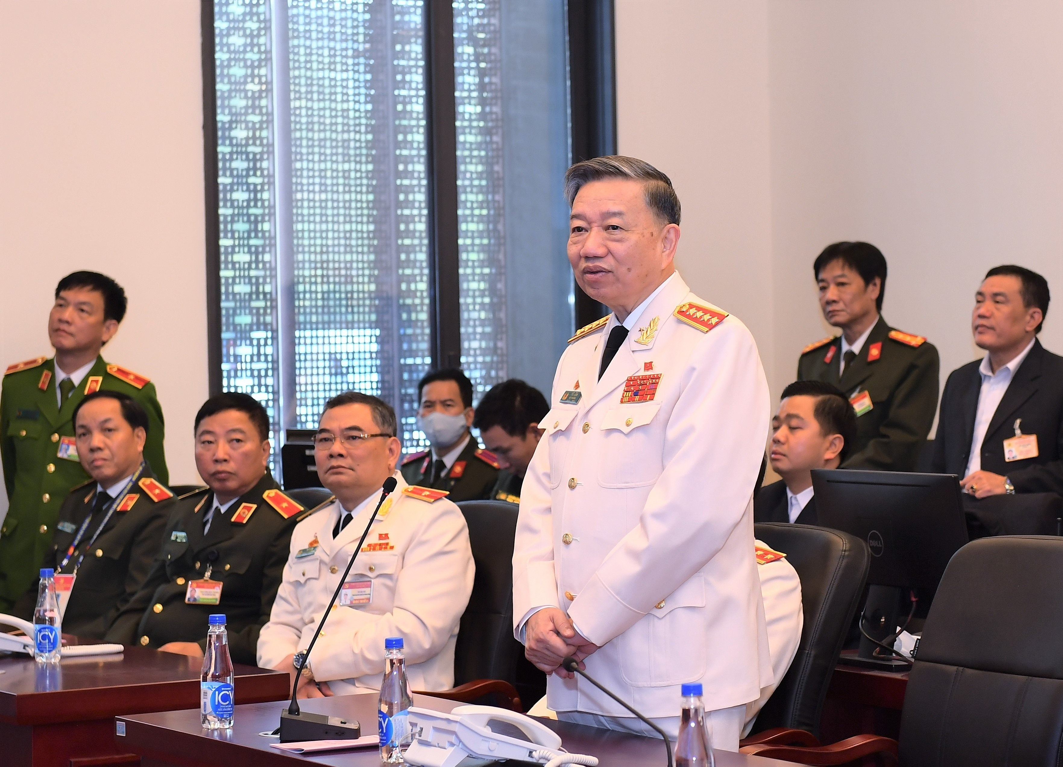 Forces asked to maintain absolute security, safety for Party Congress hinh anh 1