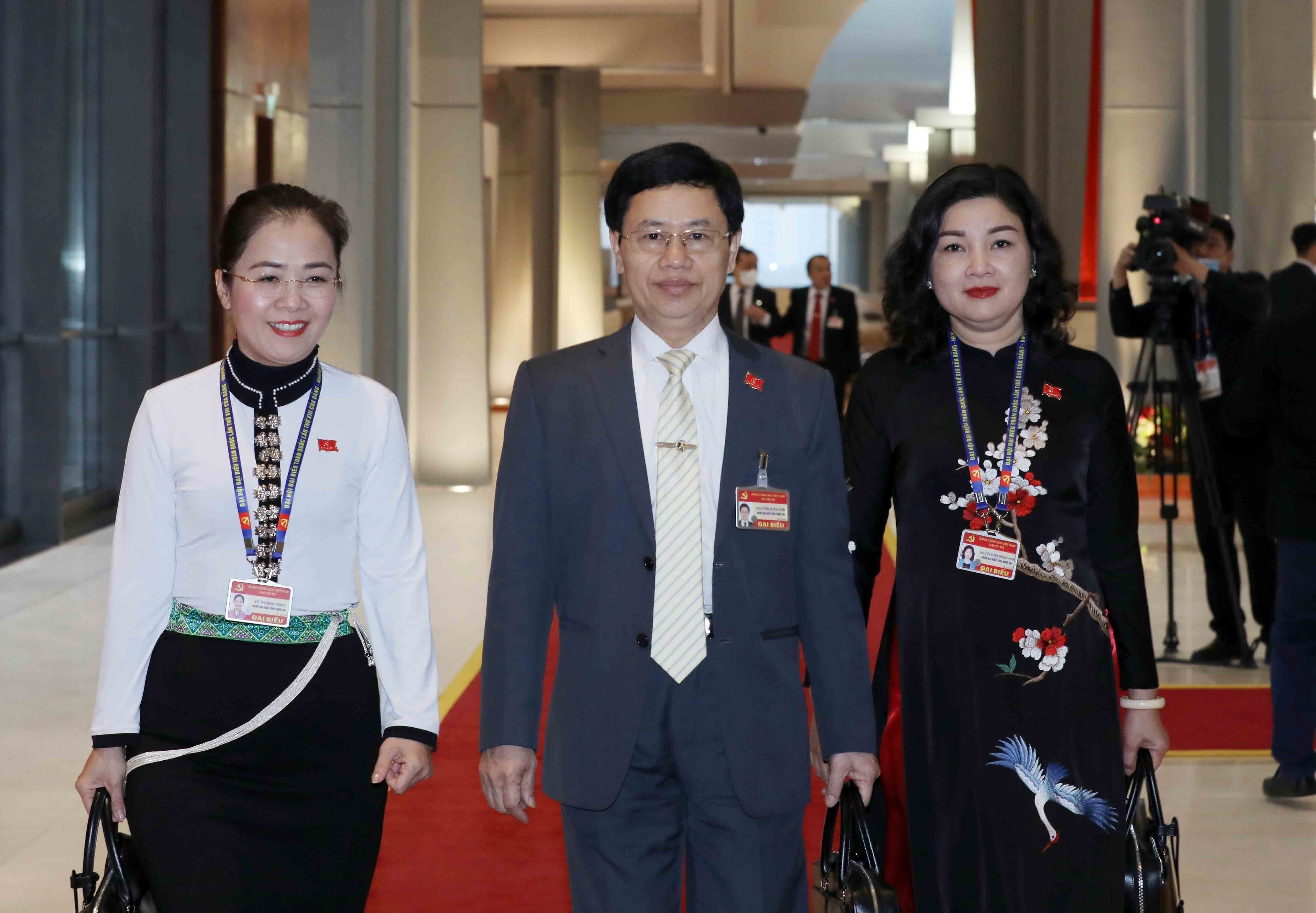 Party Congress delegates enter fifth working day hinh anh 5