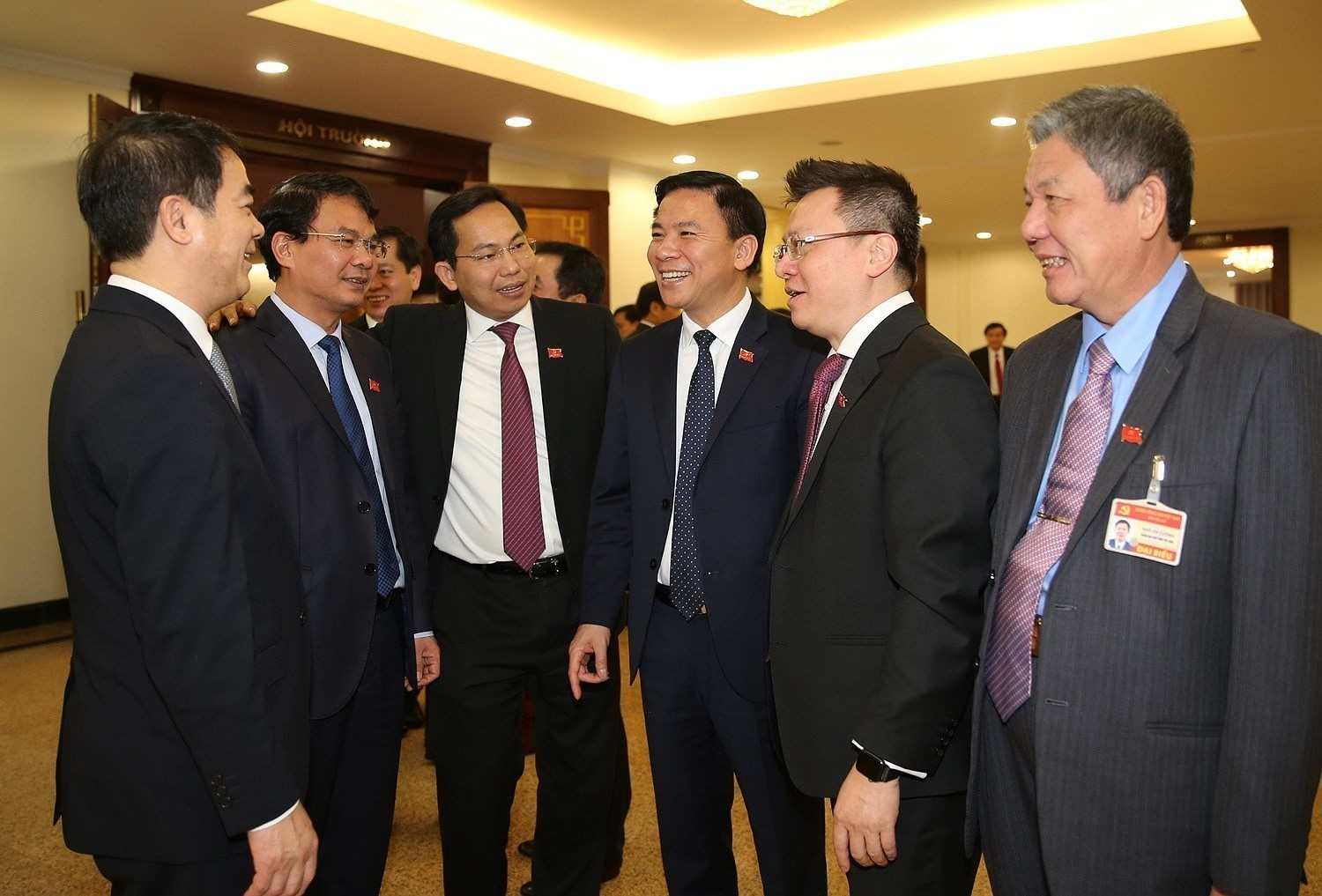 13th Party Central Committee convenes first plenum hinh anh 14