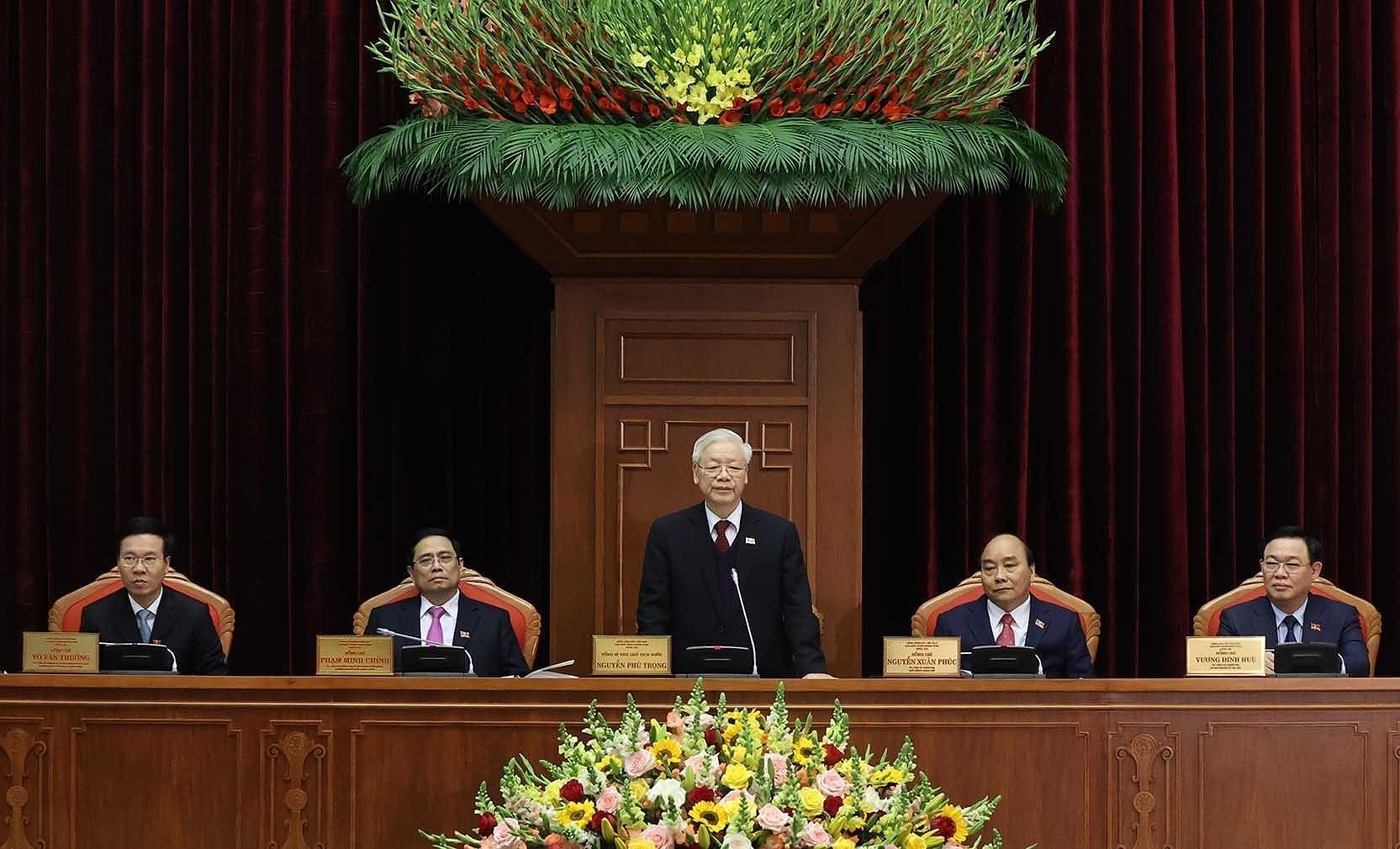 13th Party Central Committee convenes first plenum hinh anh 7