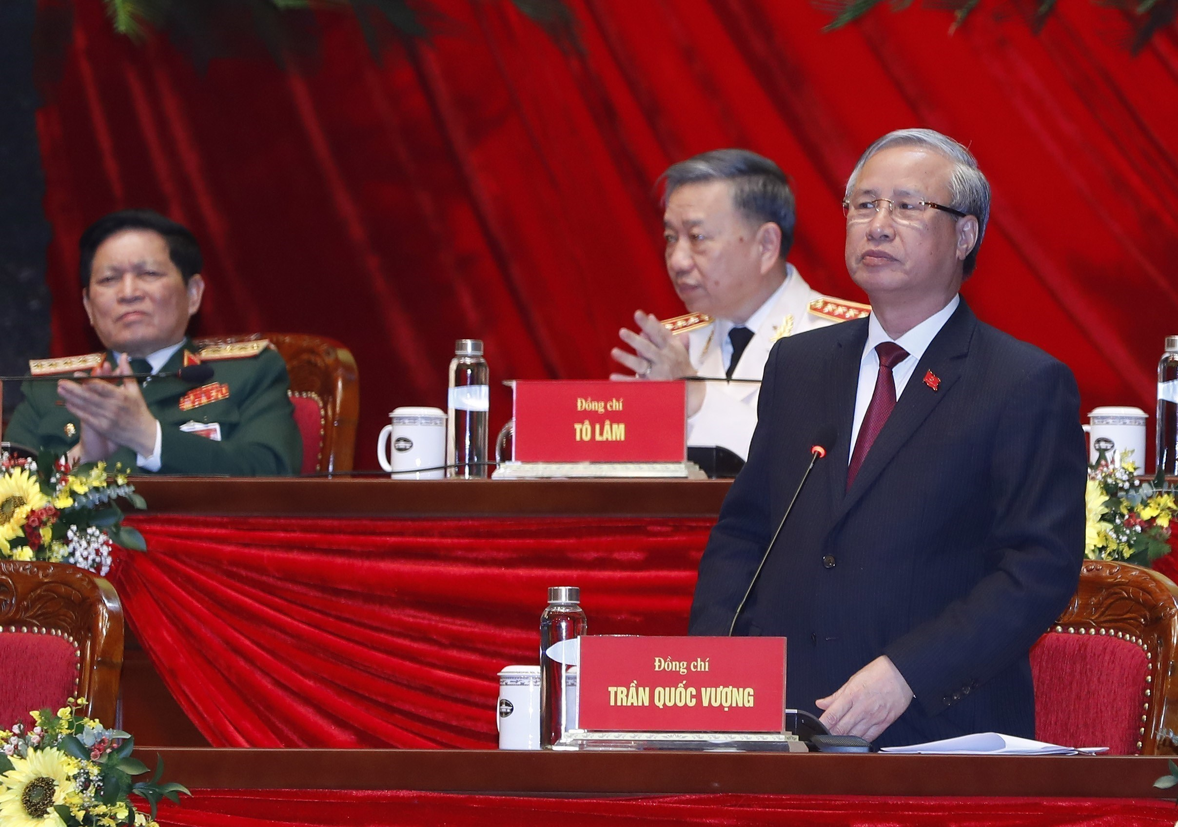 Voting results on new Party Central Committee announced hinh anh 2