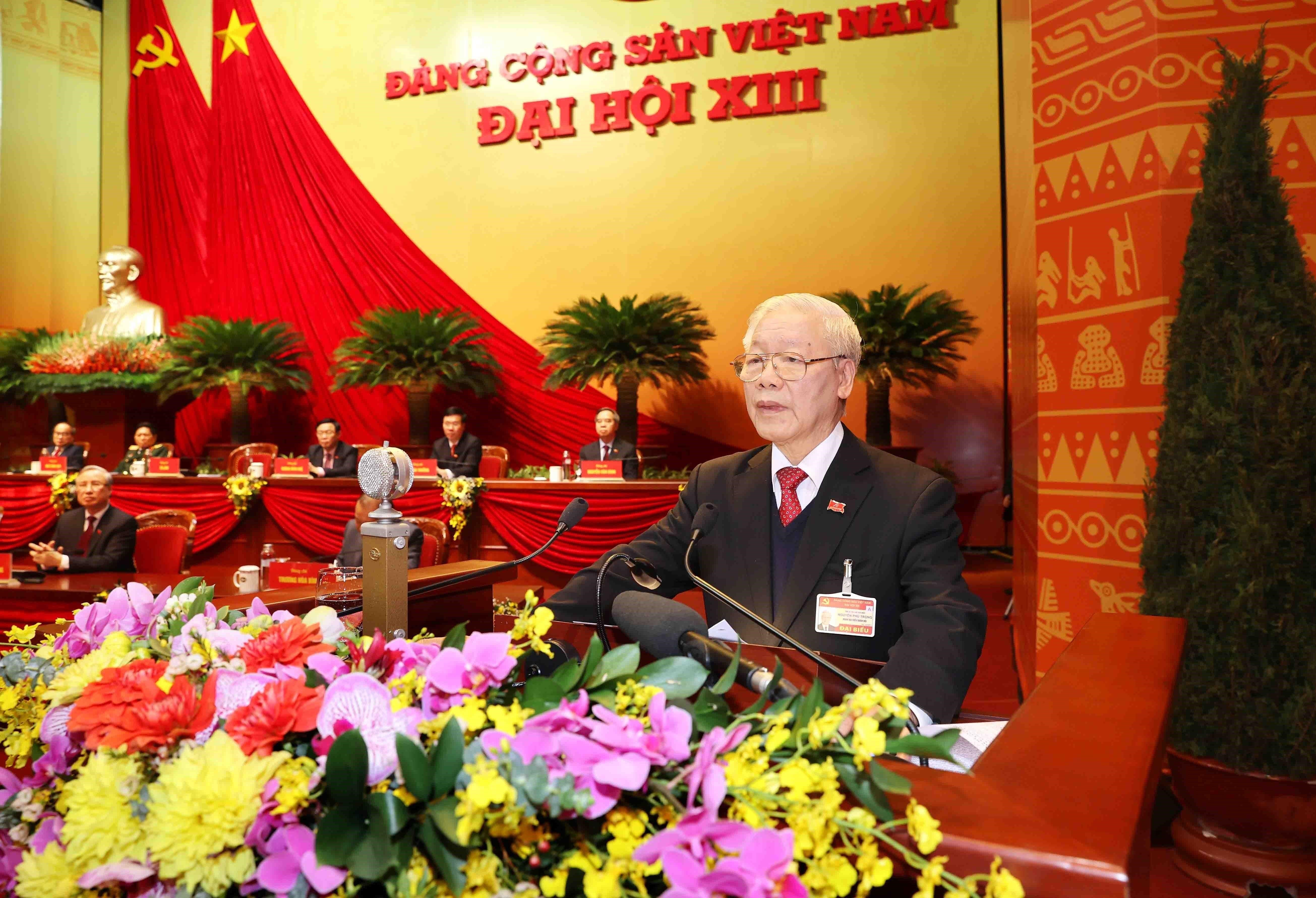 Newly-elected Party Central Committee makes debut hinh anh 7