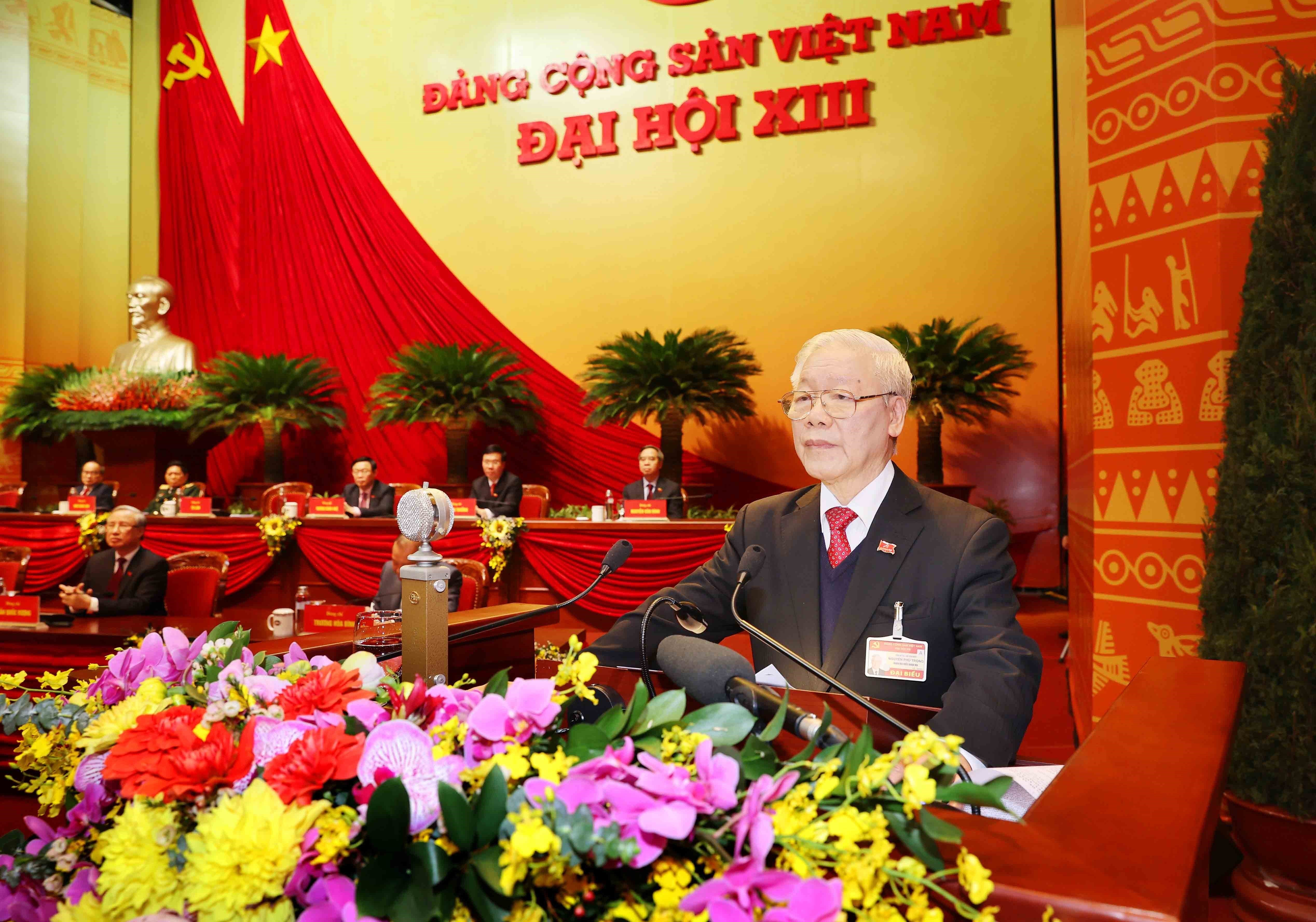 Newly-elected Party Central Committee makes debut hinh anh 6
