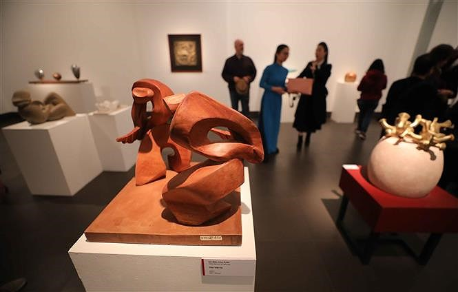 Sculpture exhibition welcomes 'Spring of the Country' hinh anh 5