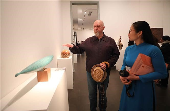 Sculpture exhibition welcomes 'Spring of the Country' hinh anh 6