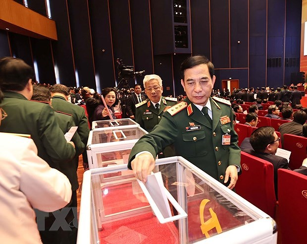 Delegates cast ballots to elect 13th tenure Party Central Committee hinh anh 4