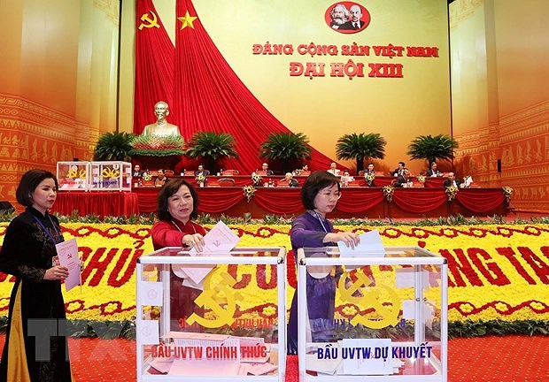 Delegates cast ballots to elect 13th tenure Party Central Committee hinh anh 5