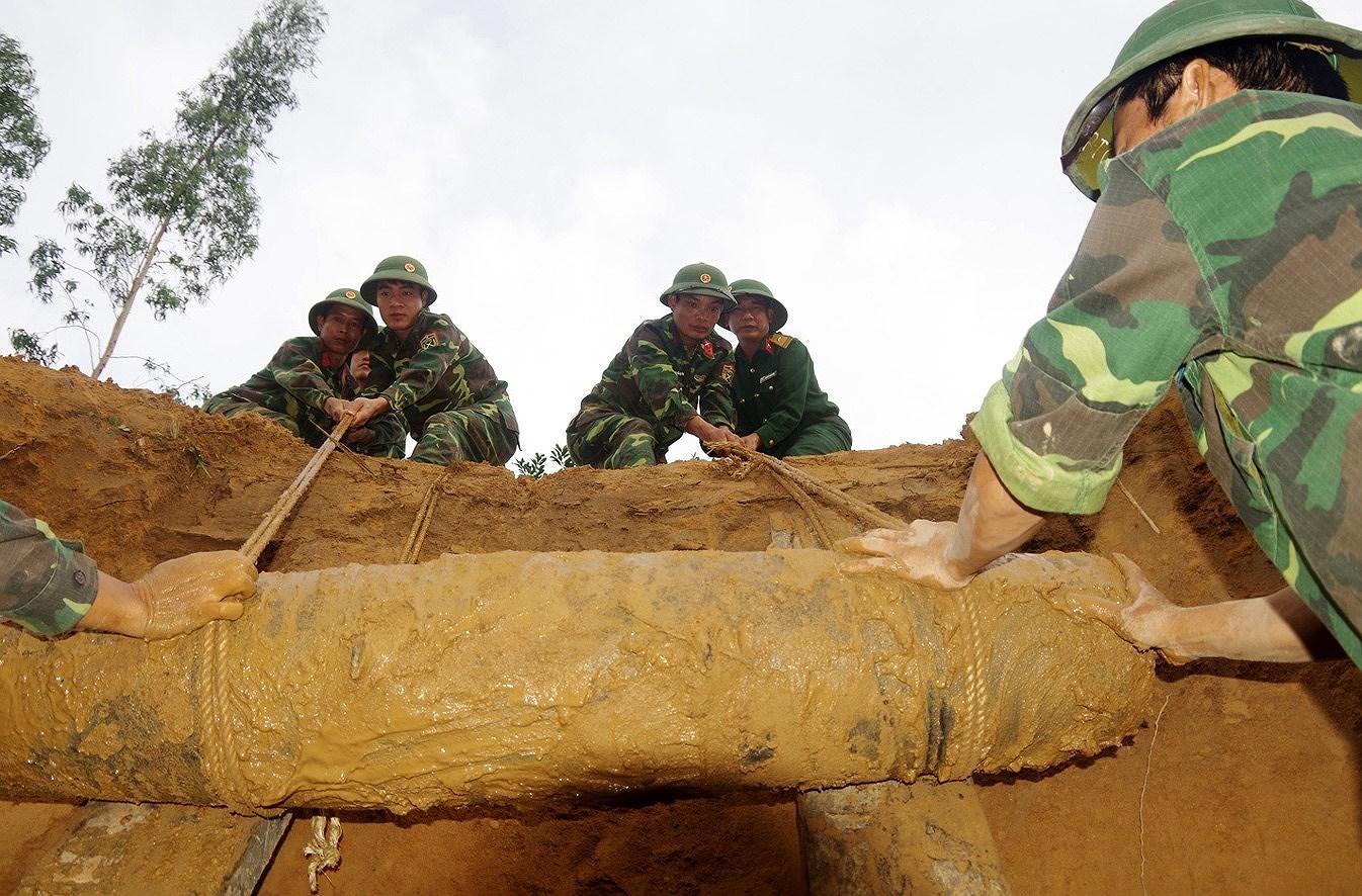 Vietnam addresses post-war UXO consequences hinh anh 6