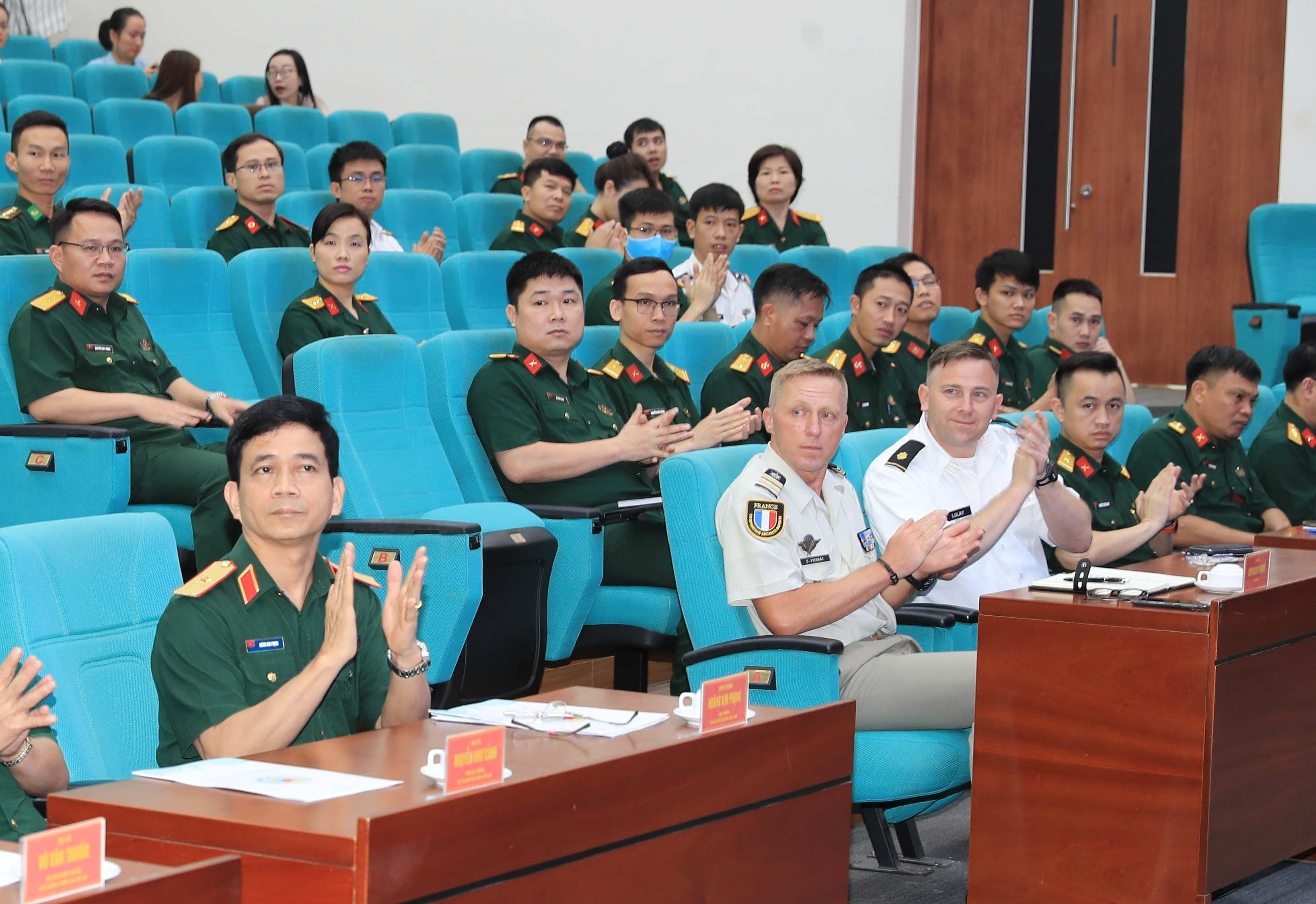 Training course for UN staff officer opens hinh anh 1