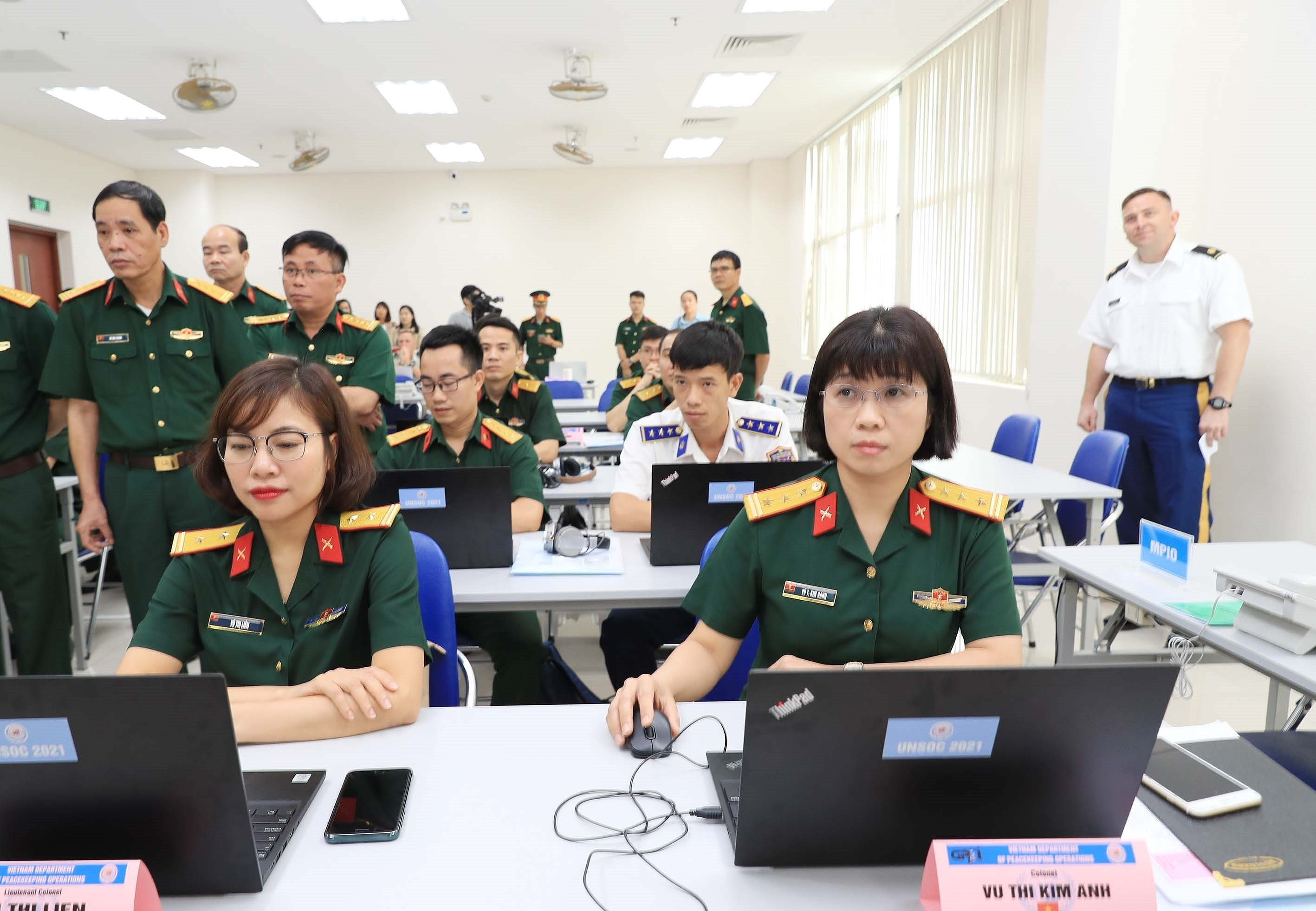 Training course for UN staff officer opens hinh anh 3