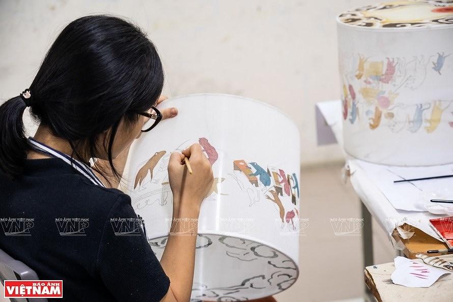 Reviving Hang Trong folk paintings from traditional materials hinh anh 6