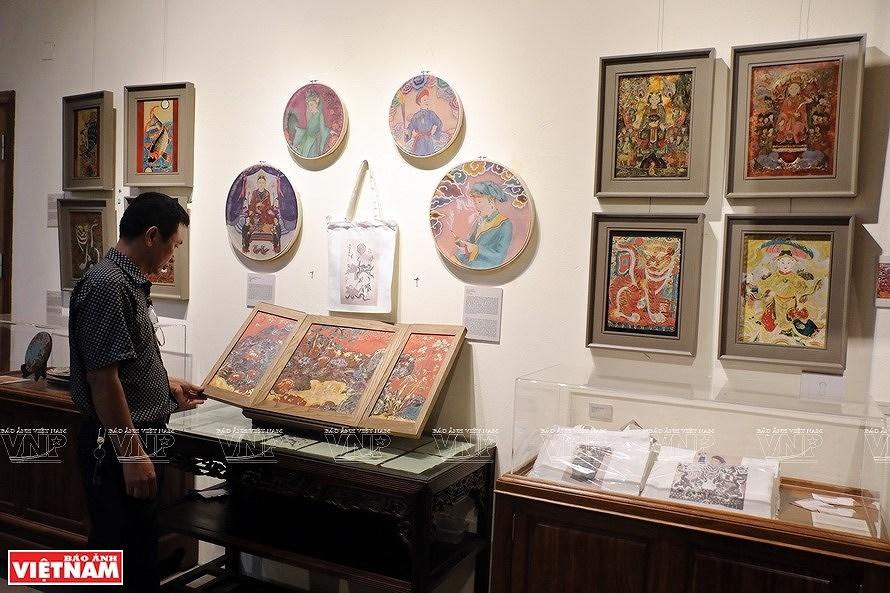 Reviving Hang Trong folk paintings from traditional materials hinh anh 7