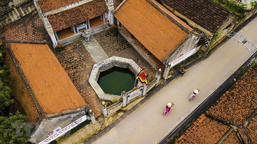 Ancient village well in Hoa Lu former imperial city hinh anh 6