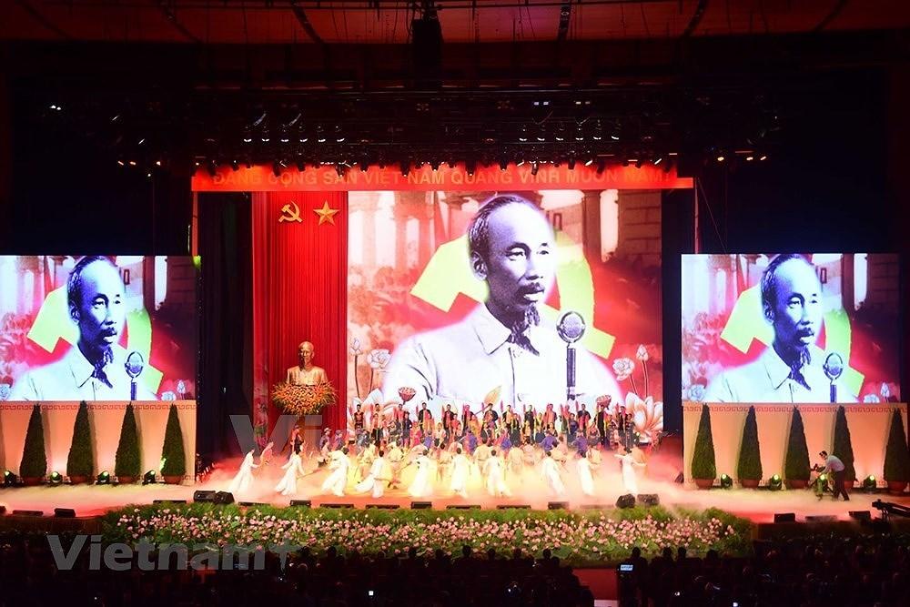 Grand ceremony marks President Ho Chi Minh's birthday hinh anh 10
