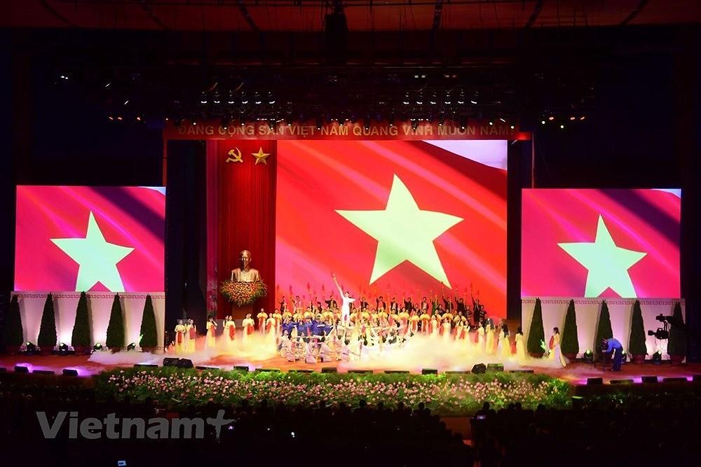 Grand ceremony marks President Ho Chi Minh's birthday hinh anh 18