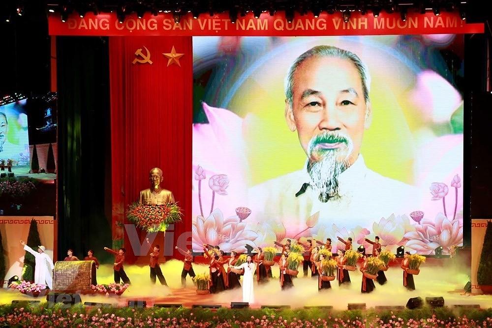 Grand ceremony marks President Ho Chi Minh's birthday hinh anh 19