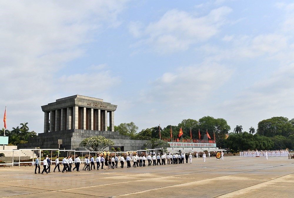 Grand ceremony marks President Ho Chi Minh's birthday hinh anh 1