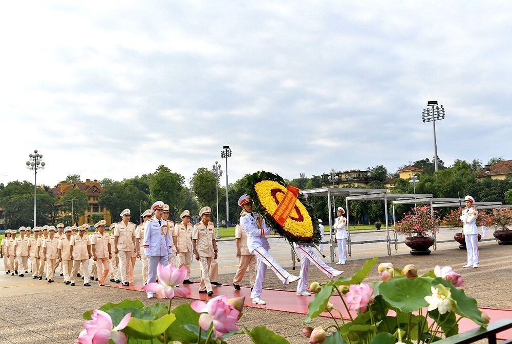 Grand ceremony marks President Ho Chi Minh's birthday hinh anh 2