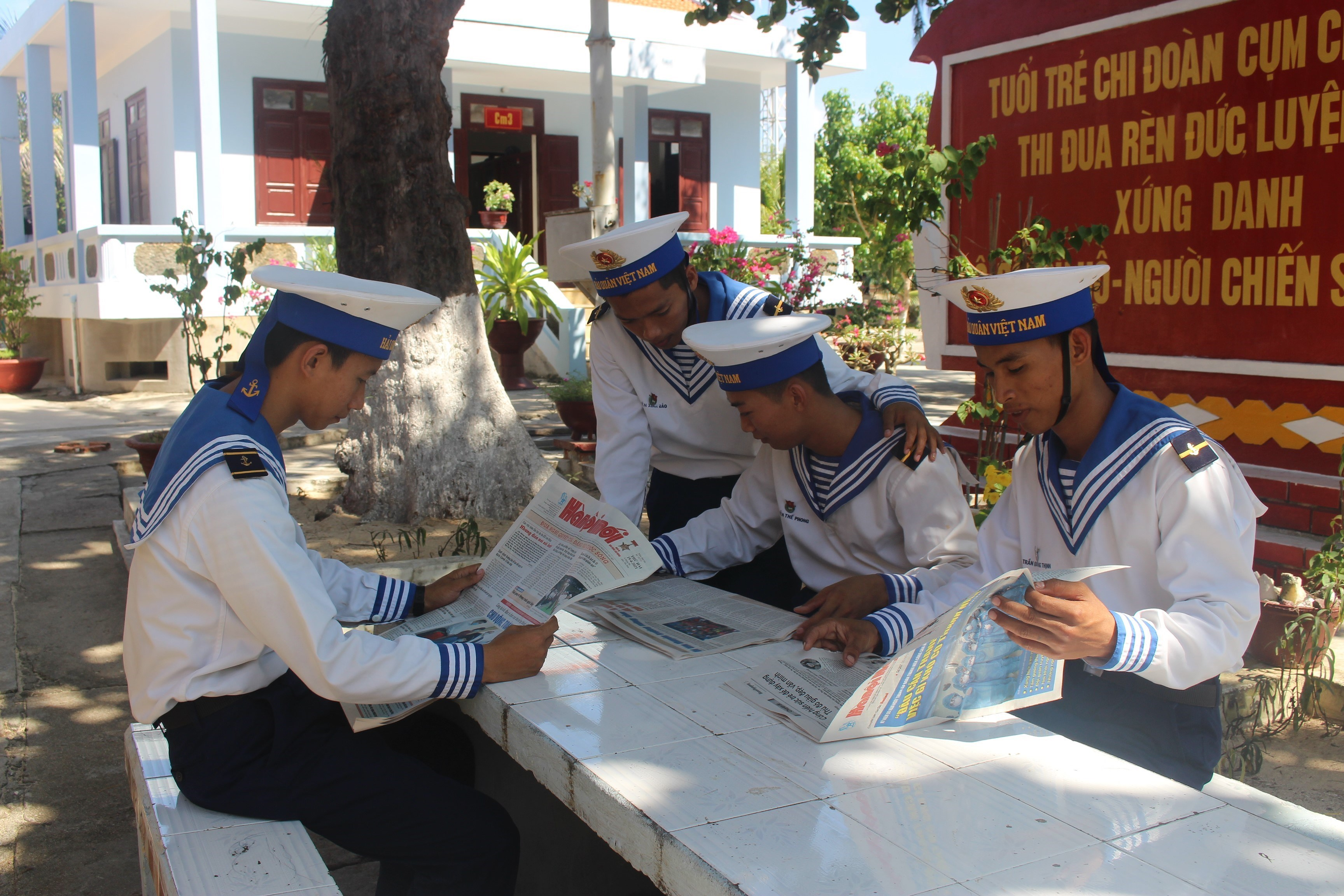 Daily life of naval soldiers in Truong Sa island district hinh anh 5
