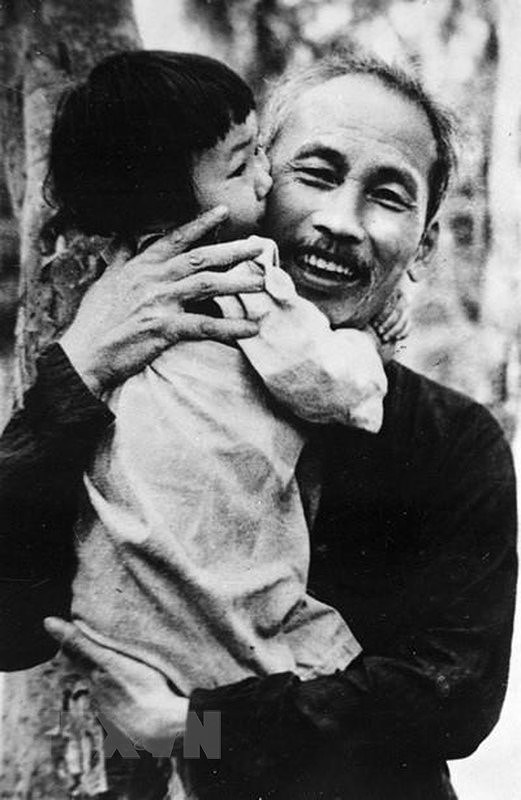 President Ho Chi Minh: Children's beloved uncle hinh anh 8