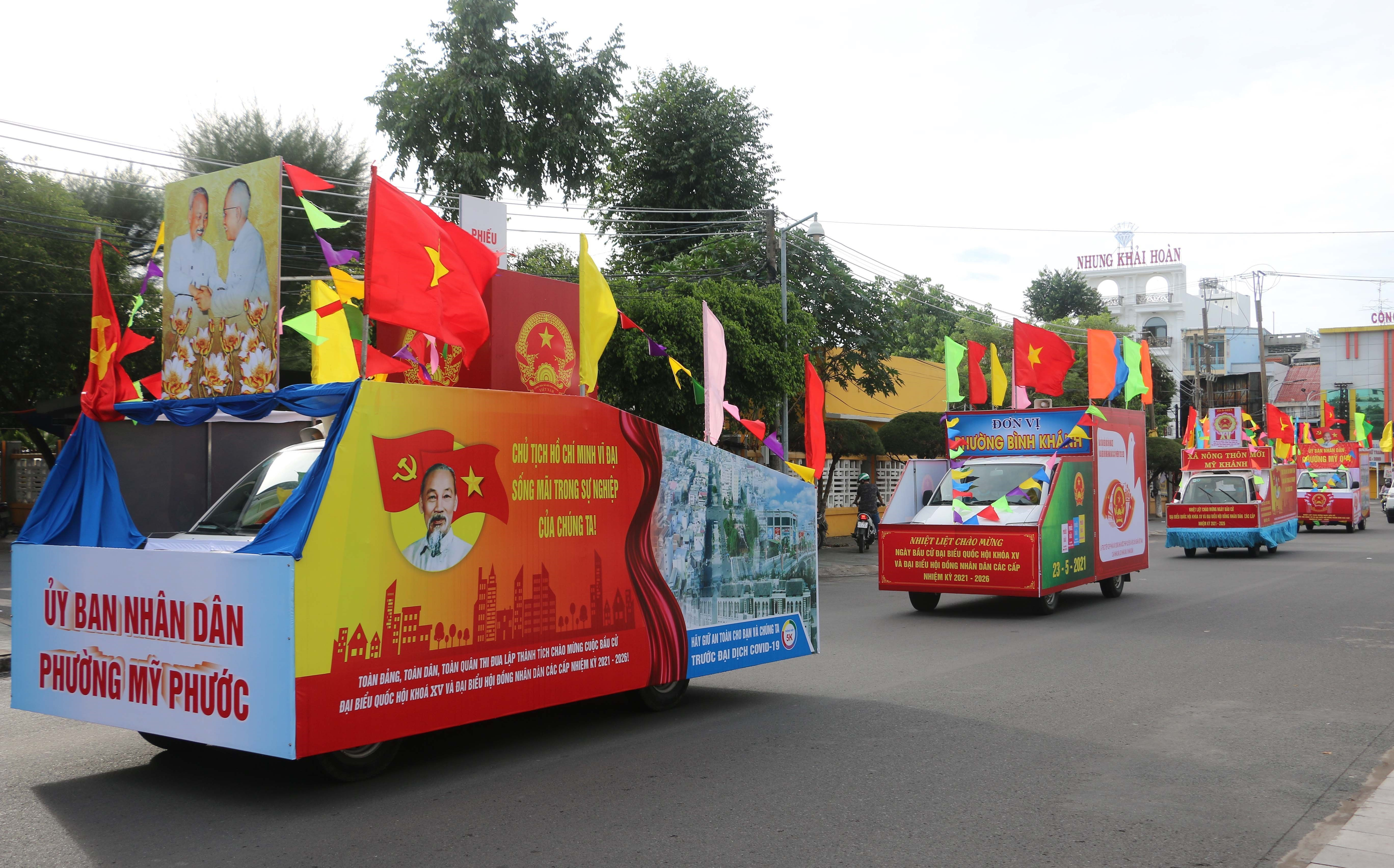 Vietnam ready for election day hinh anh 6