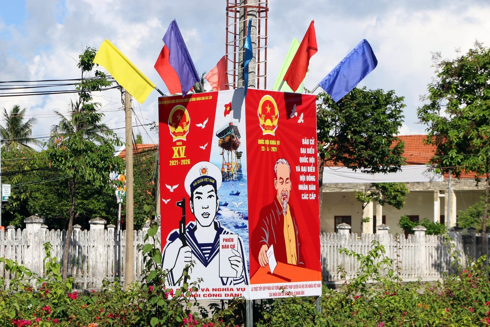 Vietnam ready for election day hinh anh 8