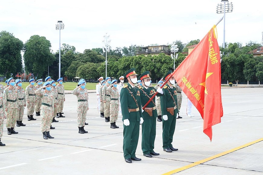 Staff of Level-2 Field Hospital No.2 pay homage to Uncle Ho hinh anh 6