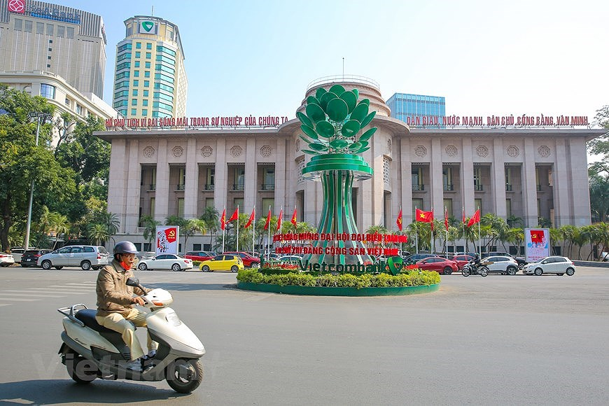 """Hanoi wears """"new coat"""" to welcome 13th National Party Congress hinh anh 5"""