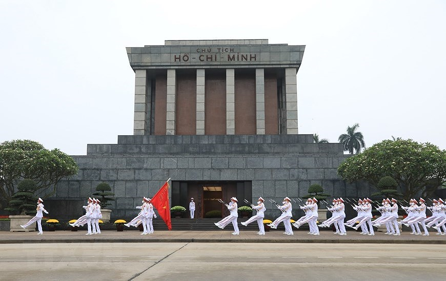 National Reunification Day celebrated across Vietnam hinh anh 8