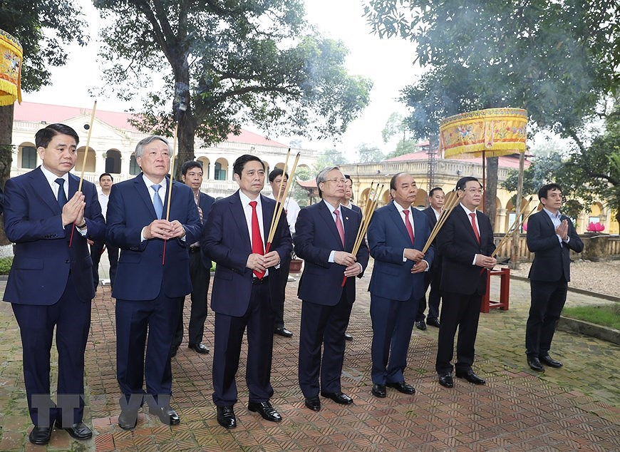 National Reunification Day celebrated across Vietnam hinh anh 13