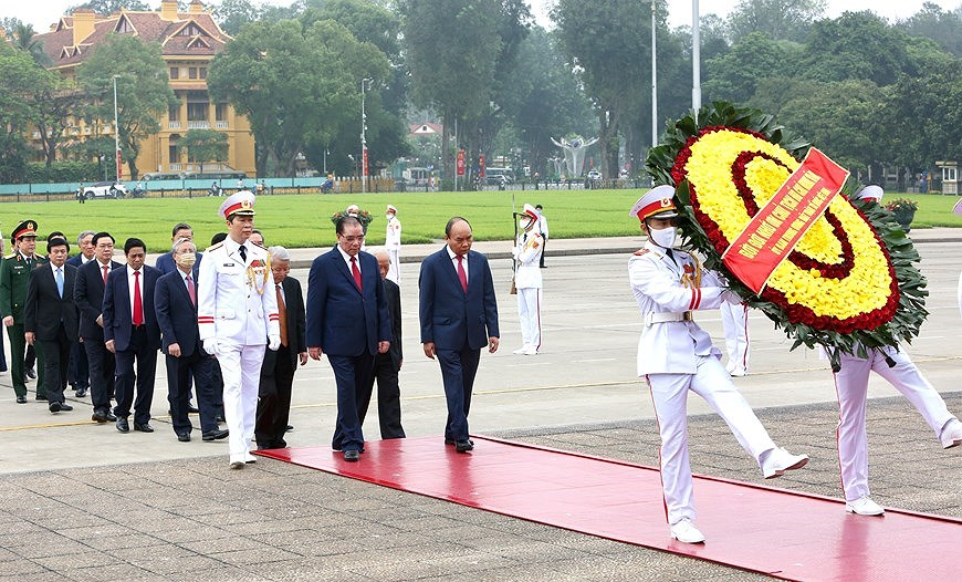 National Reunification Day celebrated across Vietnam hinh anh 11