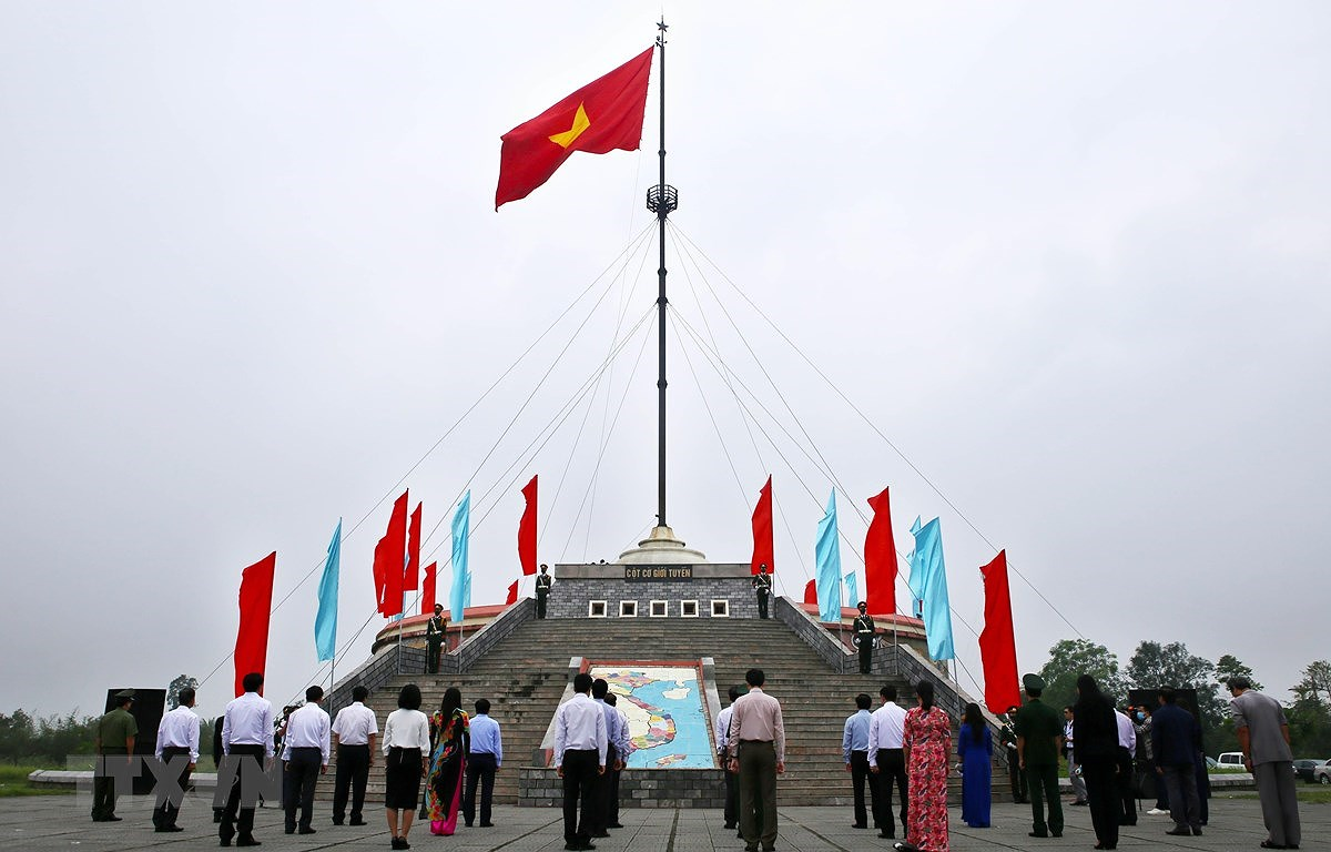 National Reunification Day celebrated across Vietnam hinh anh 18