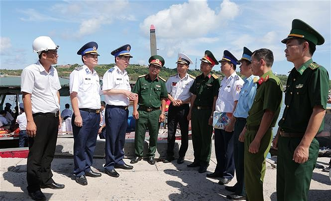 Programme upholds ties between Vietnamese coast guards and fishermen hinh anh 1