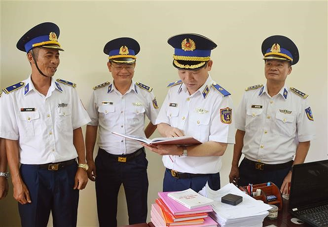 Programme upholds ties between Vietnamese coast guards and fishermen hinh anh 5
