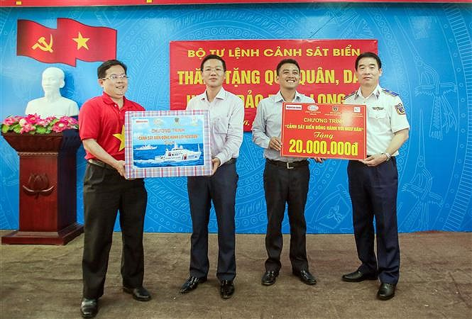 Programme upholds ties between Vietnamese coast guards and fishermen hinh anh 6