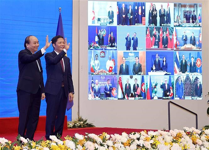 ASEAN 2020: Signing Ceremony for Regional Comprehensive Economic Partnership hinh anh 1