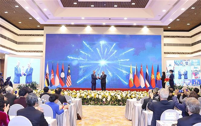 37th ASEAN Summit and Related Summits wrap up hinh anh 7