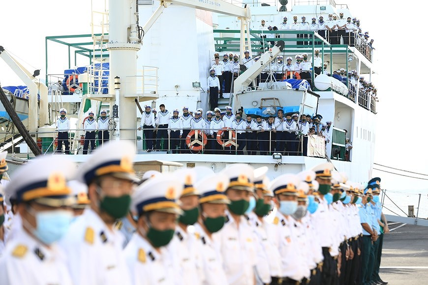Naval Zone 4 dispatches soldiers to missions in Truong Sa archipelago hinh anh 1